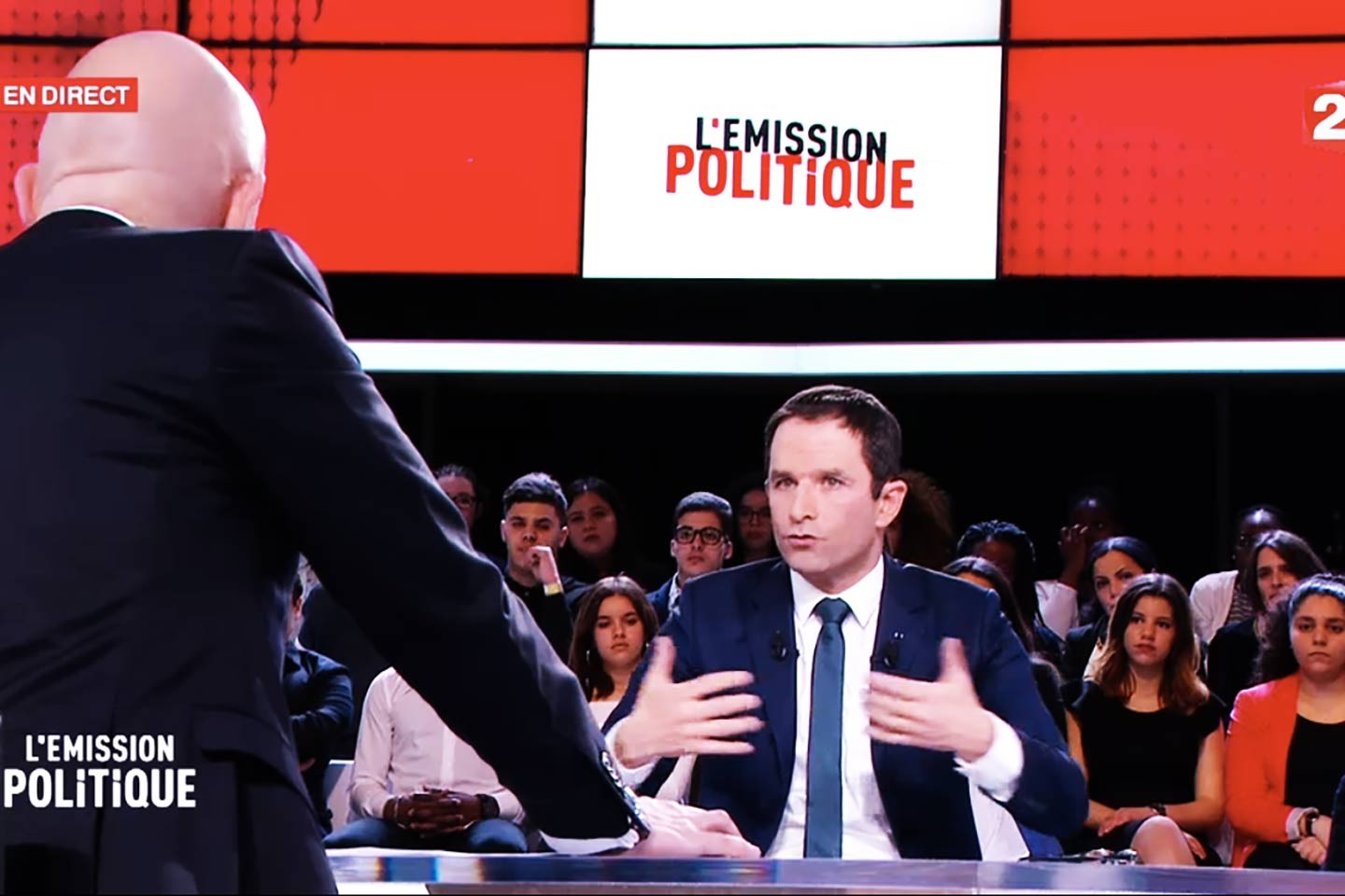 On regarde Benoît Hamon et on tweete