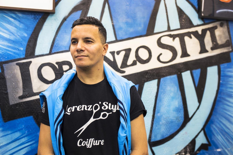 Salim Faleh, patron du salon de coiffure Lorenzo Styl\u0027 \u2014 Photo Patrice  Terraz/Signatures pour Les Jours.